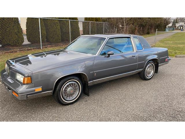 1987 Oldsmobile Cutlass Supreme (CC-1430594) for sale in Milford City, Connecticut
