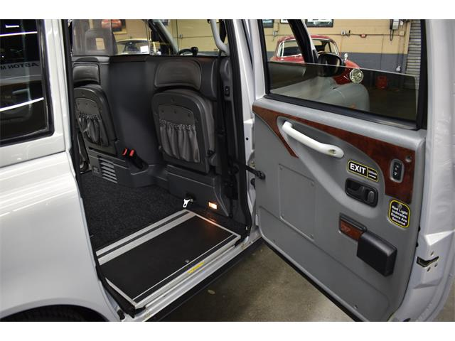 2003 London Taxi (CC-1436686) for sale in Huntington Station, New York