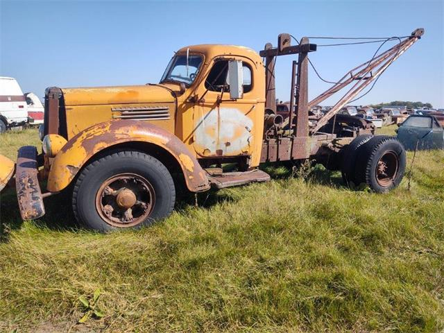 1947 International Tow Truck (CC-1436765) for sale in Parkers Prairie, Minnesota