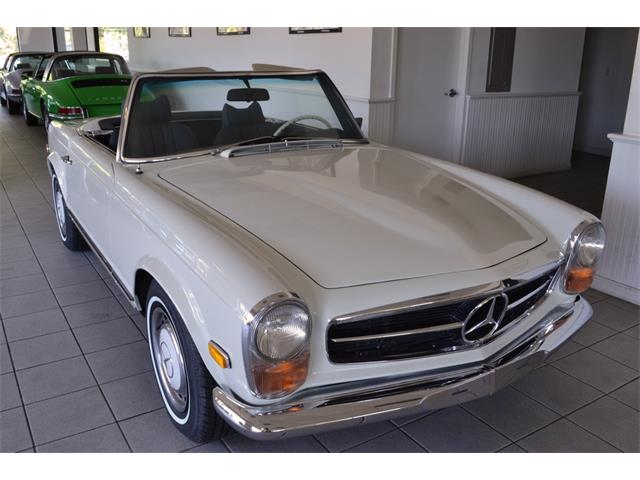 1969 Mercedes-Benz 280SL (CC-1437864) for sale in SOUTHAMPTON, New York
