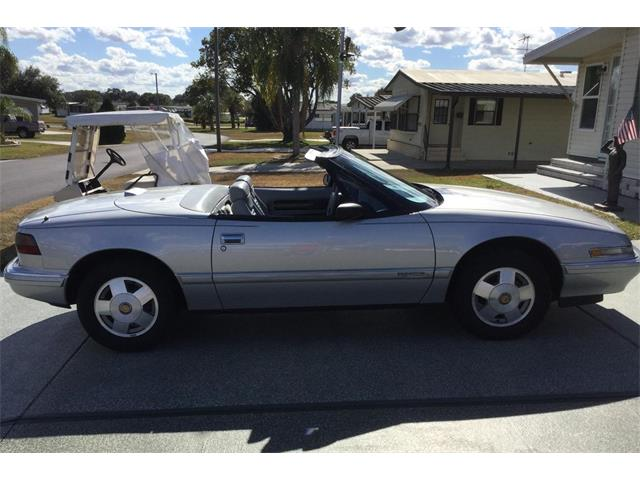 1990 Buick Reatta (CC-1437912) for sale in Zephyrhills , Florida