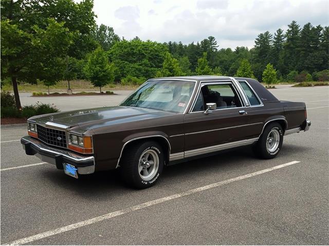 1986 Ford Crown Victoria (CC-1438313) for sale in Nashua, New Hampshire
