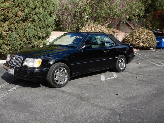 1995 Mercedes-Benz E320 (CC-1439248) for sale in Woodland Hills, United States