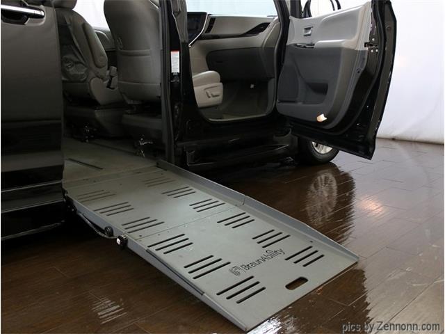 2015 Toyota Sienna (CC-1439657) for sale in Addison, Illinois