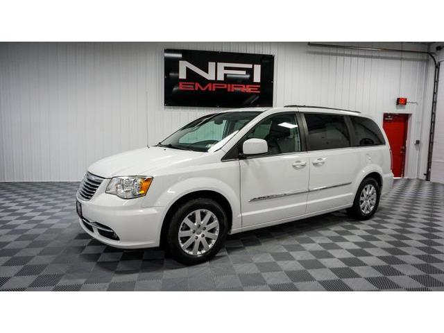 2014 Chrysler Town & Country (CC-1442009) for sale in North East, Pennsylvania