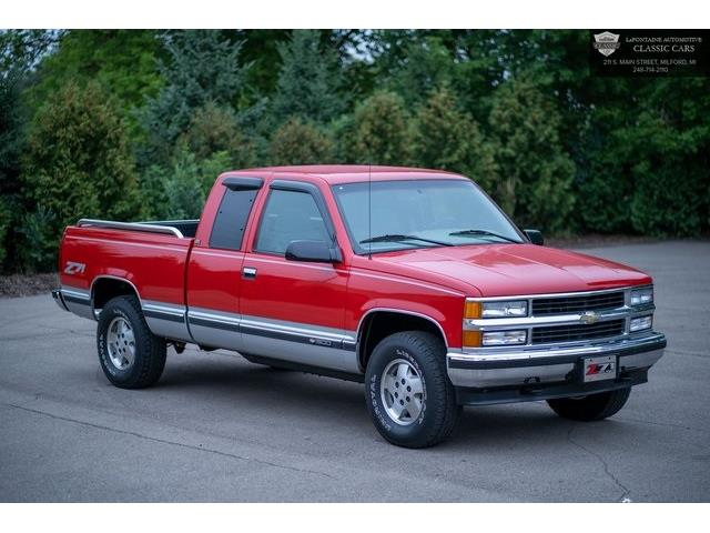1995 Chevrolet C/K 1500 (CC-1443905) for sale in Milford, Michigan