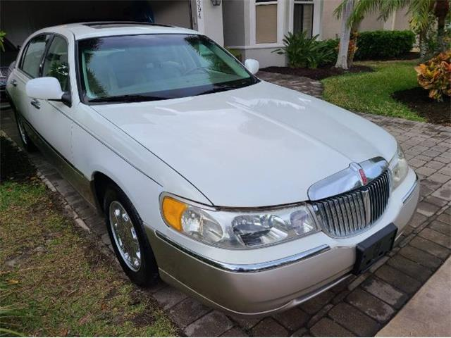 2000 Lincoln Town Car (CC-1445751) for sale in Cadillac, Michigan