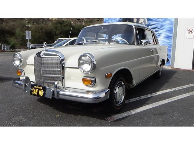 1968 Mercedes-Benz 200 (CC-1447015) for sale in Laguna Beach, California