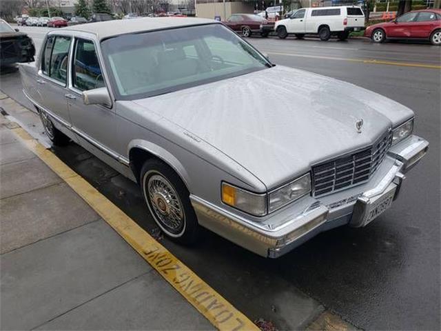 1992 Cadillac Fleetwood (CC-1448927) for sale in Cadillac, Michigan