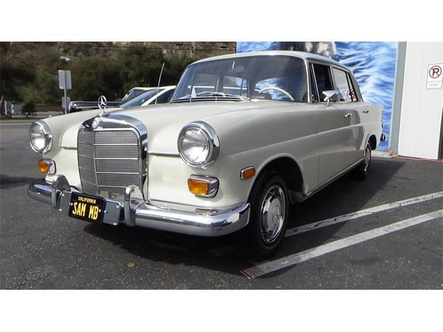 1968 Mercedes-Benz 200 (CC-1453271) for sale in Laguna Beach, California