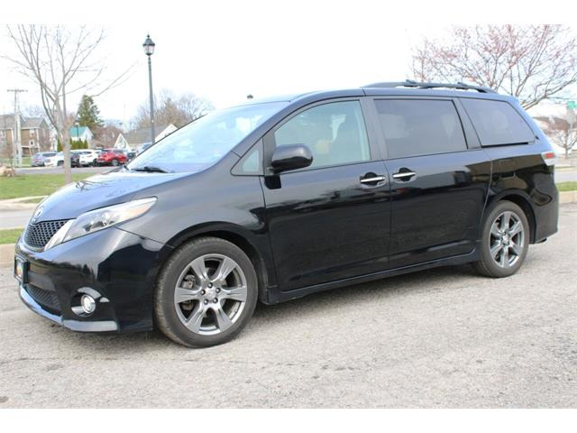 2017 Toyota Sienna (CC-1456099) for sale in Hilton, New York