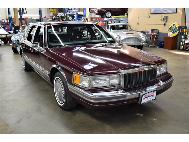 1990 Lincoln Town Car (CC-1461277) for sale in Huntington Station, New York