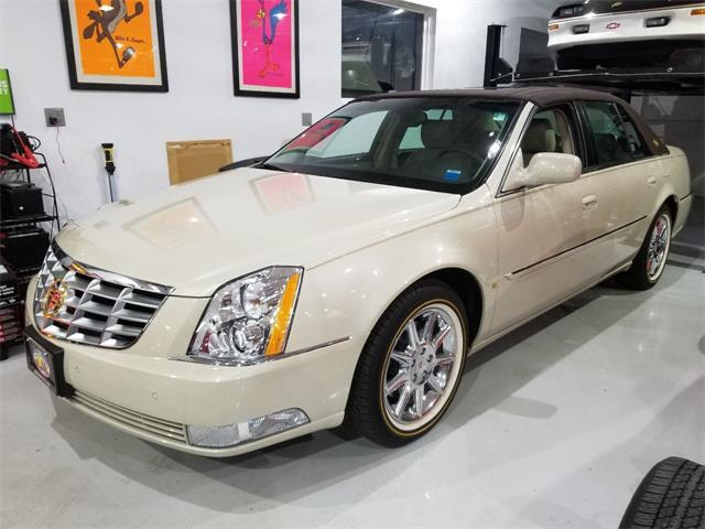2011 Cadillac DTS (CC-1460363) for sale in Hilton, New York
