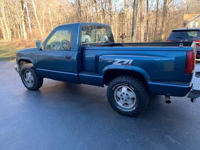 1992 Chevrolet Silverado (CC-1463687) for sale in Cadillac, Michigan