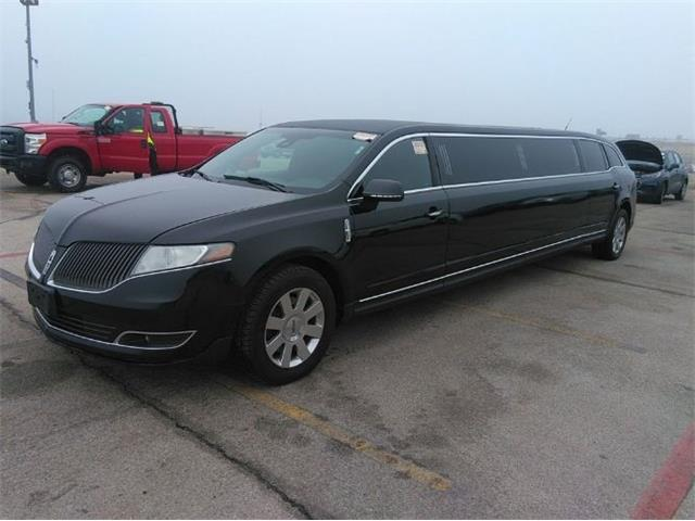 2016 Lincoln Limousine (CC-1463690) for sale in Cadillac, Michigan