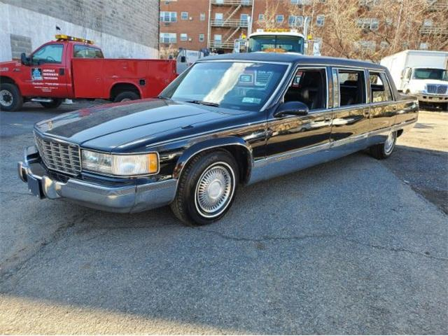 1995 Cadillac Fleetwood (CC-1464129) for sale in Cadillac, Michigan