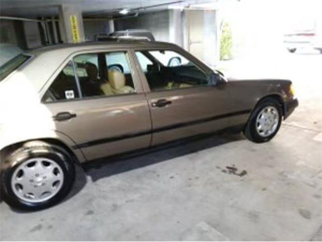 1988 Mercedes-Benz 300E (CC-1468100) for sale in Cadillac, Michigan