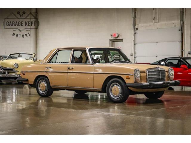 1975 Mercedes-Benz 240D (CC-1470171) for sale in Grand Rapids, Michigan