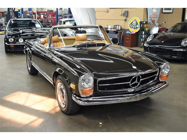 1970 Mercedes-Benz 280SL (CC-1470721) for sale in Huntington Station, New York