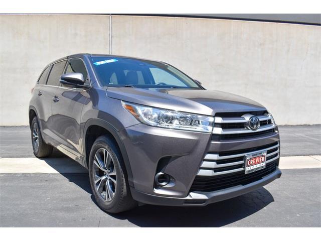 2017 Toyota Highlander (CC-1482591) for sale in Costa Mesa, California