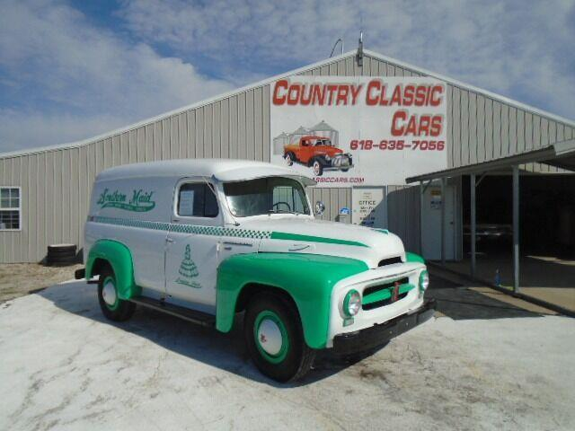 1953 International R120 (CC-1486348) for sale in Staunton, Illinois