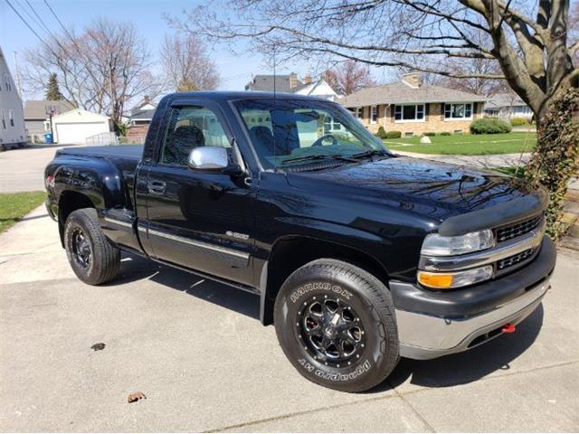 2000 Chevrolet Silverado (CC-1487878) for sale in Cadillac, Michigan
