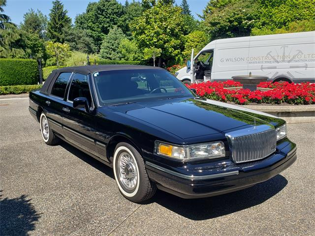 1997 Lincoln Town Car (CC-1505709) for sale in North Vancouver, British Columbia