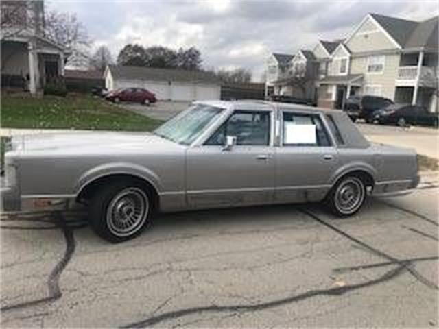1986 Lincoln Town Car (CC-1512255) for sale in Cadillac, Michigan