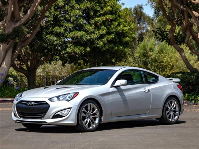 2016 Hyundai Genesis (CC-1514394) for sale in Marina Del Rey, California