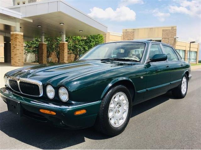 1999 Jaguar XJ8 (CC-1516407) for sale in Cadillac, Michigan