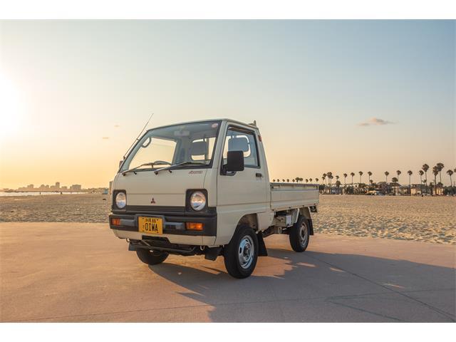 1990 Mitsubishi Minicab (CC-1522032) for sale in Long Beach, California