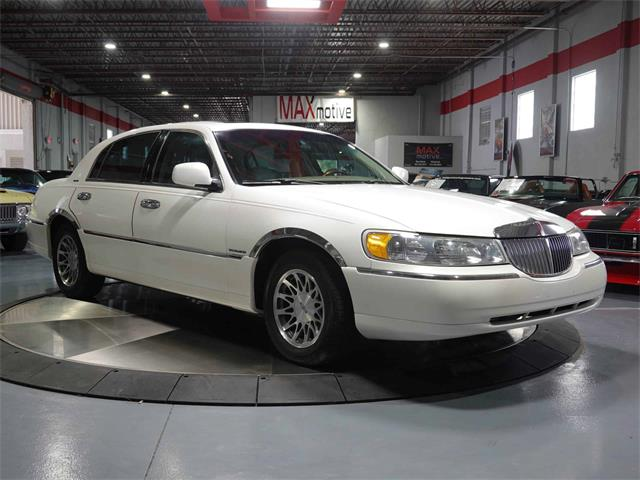 2002 Lincoln Town Car (CC-1522901) for sale in Pittsburgh, Pennsylvania