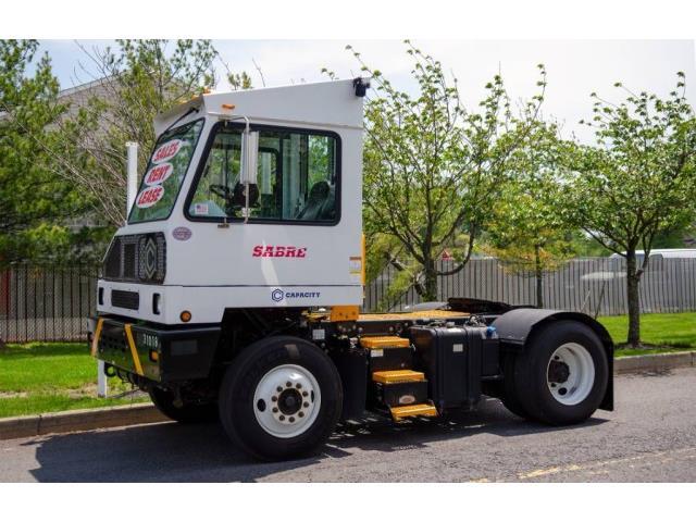 2016 Capacity Truck (CC-1523030) for sale in Bristol, Pennsylvania