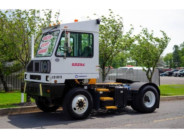2016 Capacity Truck (CC-1523032) for sale in Bristol, Pennsylvania