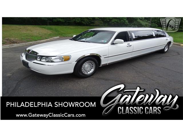 2001 Lincoln Town Car (CC-1525549) for sale in O'Fallon, Illinois