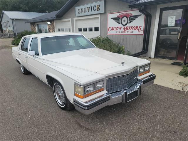 1986 Cadillac Fleetwood Brougham (CC-1531945) for sale in Spirit Lake, Iowa