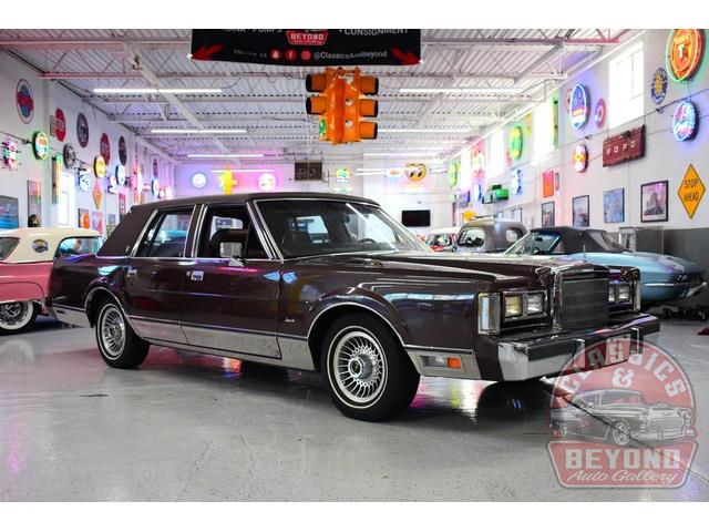 1988 Lincoln Town Car (CC-1532584) for sale in Wayne, Michigan