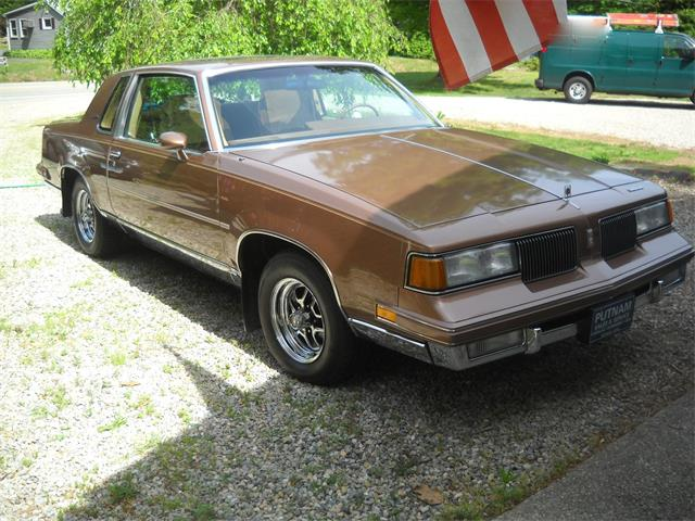 1987 Oldsmobile Cutlass Supreme (CC-685497) for sale in North Grosvenordale, Connecticut