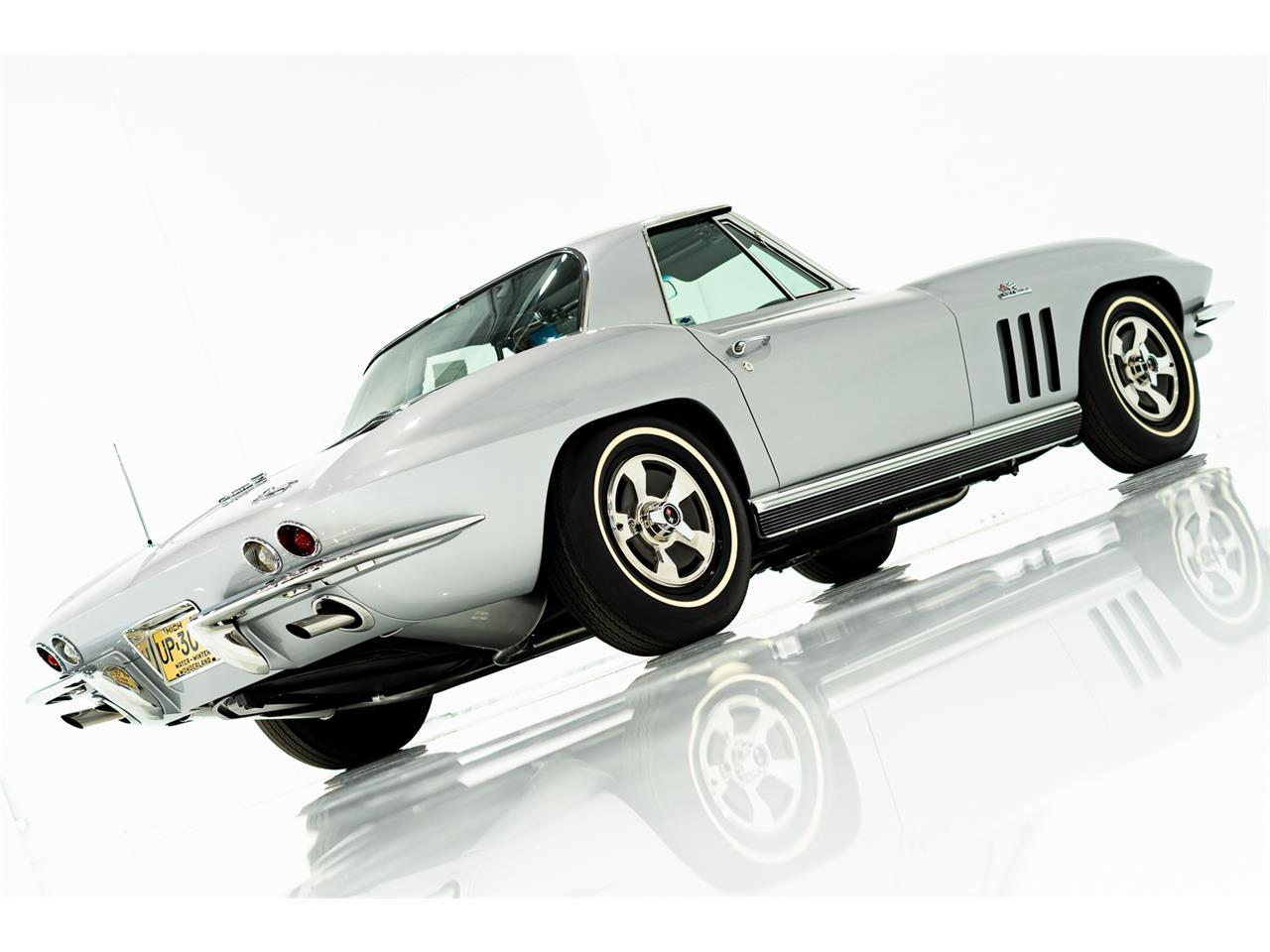 1966 Chevrolet Corvette (CC-940202) for sale in Montreal, Quebec