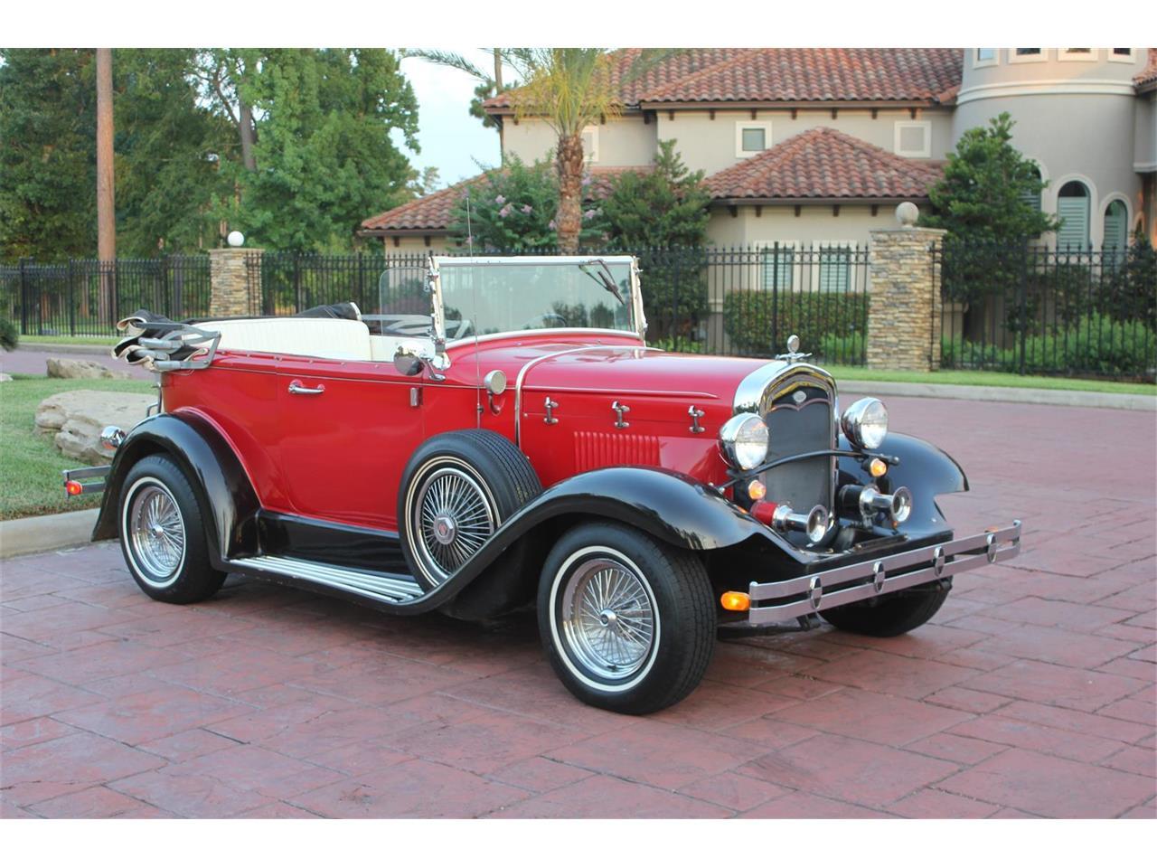 8514702-1973-glassic-roadster-1931-model-a-ford-replica-std.jpg